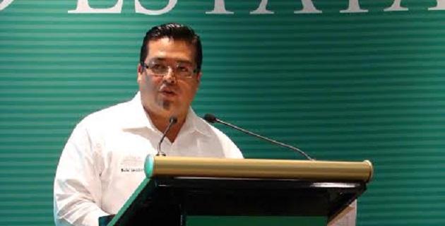 Sociedad, gobierno, académicos, productores e inversionistas debemos hacer sinergia, sobre todo en el nuevo Michoacán que se construye, aseguró el secretario de Gobierno, Marco Vinicio Aguilera