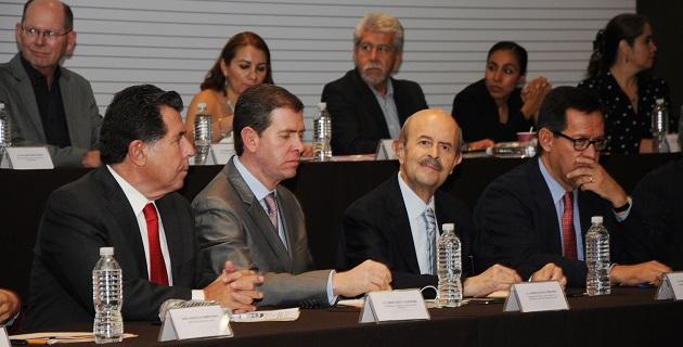 Juntos, sociedad y gobierno, estamos construyendo un nuevo y un mejor Michoacán, reiteró Vallejo Figueroa
