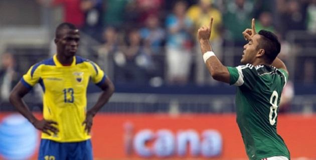 Marco Fabián anotó un golazo para el 2-0 al 69', cuando mandó al ángulo un balón que prendió desde fuera del área