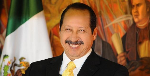 El ex mandatario local comentó que ha sido benéfico para la entidad el trabajo del comisionado Alfredo Castillo así como el nacimiento de los grupos de autodefensas