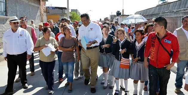 Estas obras que inauguró el alcalde de la comuna, superan los 6.5 millones de pesos y son para beneficio directo de más de 2 mil 300 habitantes de las colonias, Torreón Nuevo, Ampliación Torreón Nuevo y Luis Córdova Reyes