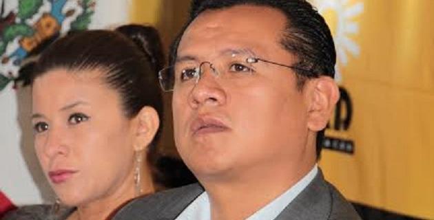 El funcionario federal reveló que Vallejo Figueroa tiene retenida la economía estatal, ya que del crédito de Banobras de 4 mil mdp sólo 740 mdp han sido dispuestos