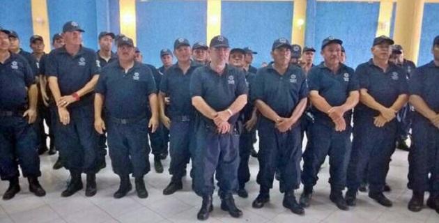 El ex vocero del Consejo General de Autodefensas de Michoacán, José Manuel Mireles, dijo que también se integraría a la Fuerza Rural Estatal