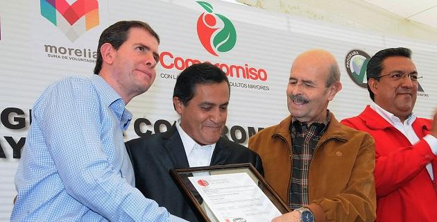 Entregan Certificación ISO 9001:2008 al Programa; se trata del primer programa en recibirla.