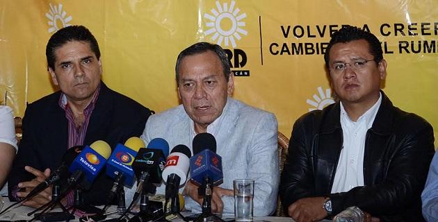 Por otra parte, Zambrano Grijalva consideró que Michoacán debe jugar un papel fundamental en la obtención de firmas para la consulta popular sobre la reforma energética