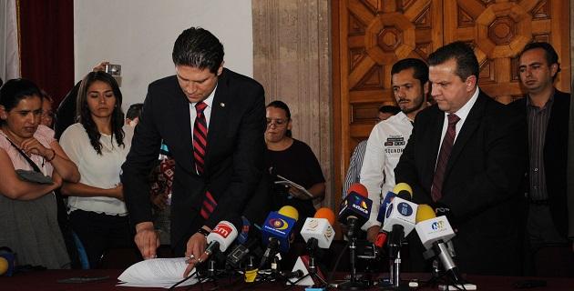 Aguilera Garibay acudió esta tarde a la sede del Poder Legislativo de Michoacán