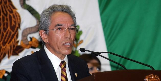 El gobernador sustituto externó que en esta nueva encomienda viene a trabajar de la mano, codo a codo, hombro con hombro, con todos los michoacanos y las michoacanas