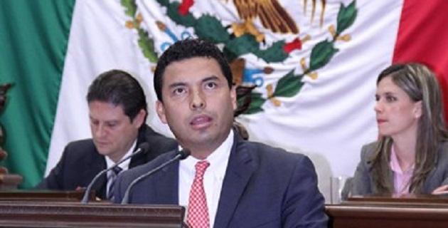 López Mújica expresó su solidaridad, respeto y los mejores deseos al ex gobernador Fausto Vallejo, por su dedicación de siempre por servir a los michoacanos
