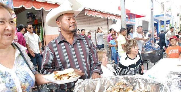 Se inauguró también la pavimentación de 2 mil metros cuadrados de la calle Juárez, con un recurso de 900 mil pesos a favor de mil 500 personas
