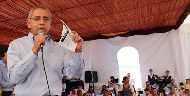 Salvador Vega Casillas hizo hincapié en la necesidad de que se implemente una estrategia intensa de desarrollo de país, para mantener a flote la economía