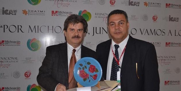 Armando Rodríguez, quien fuera el director de Planeación del ICATMI, dio la bienvenida a Jorge Diez Sollano del Coro, coordinador de Planeación Educativa del Instituto Nacional de Economía Social