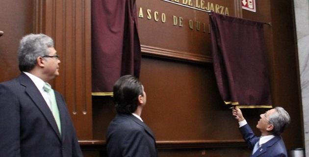 De esta manera, los diputados integrantes de la LXXII Legislatura reconocen las invaluables aportaciones de Vasco de Quiroga al estado, a su labor espiritual, educativa, cultural, económica y social