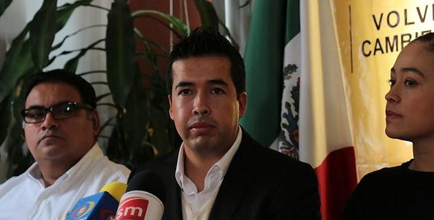 Carlos Paredes agregó que a la actual administración del gobernador Salvador Jara Guerrero le restan tan sólo 15 meses por delante, lo cual no garantiza que se cubran todos los adeudos