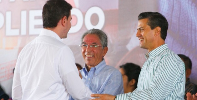 Acompañado por el gobernador Salvador Jara Guerrero, el mandatario cerró el mes dedicado a la Cruzada Nacional contra el hambre en esta entidad azotada por la inseguridad pública