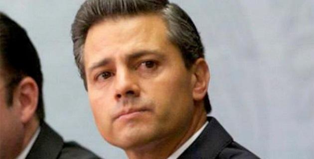 """La presidencia de Enrique Peña Nieto tiene el nivel de aprobación """"más bajo que el de cualquier otro Presidente mexicano en tiempos recientes"""", publica hoy The New York Times"""