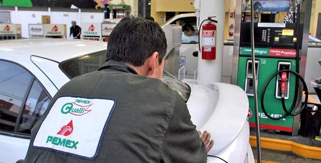 Durante junio, el precio de la gasolina Premium se ubicó en 13.45 pesos y el Diesel en 13.28 pesos por litro, de acuerdo con la información de la Amegas