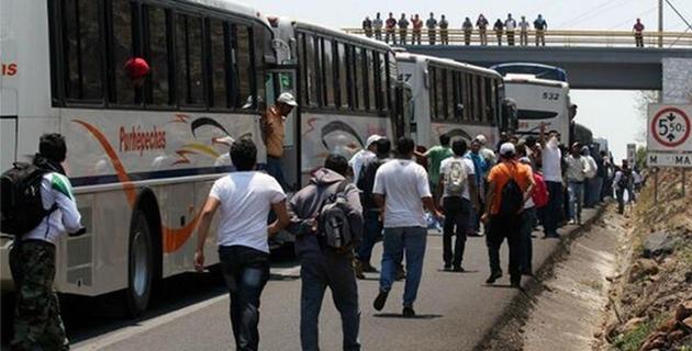 De acuerdo con los primeros reportes, se trata de tres unidades de la línea Purépechas, con los números económicos 505, 918 y 586, así como uno de la empresa Autovías, con el número económico A-409