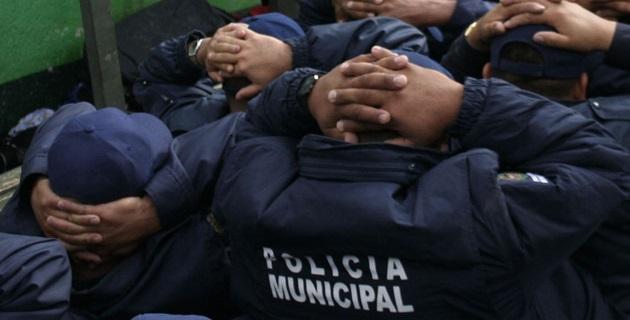 Un total de 10 elementos policiacos del municipio de Tlazazalca fueron consignados por presuntamente pasar información oficial a grupos delictivos