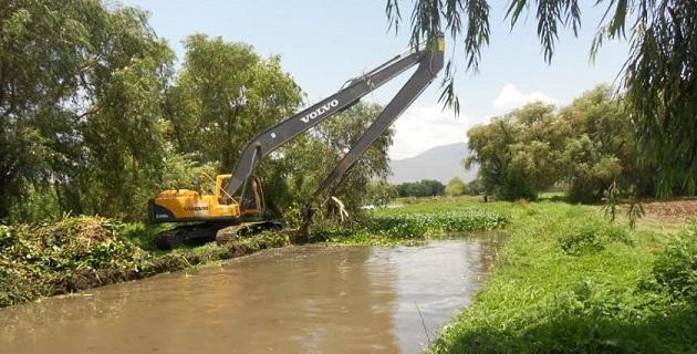 Aminora el riesgo de desbordamiento de los drenes durante las precipitaciones pluviales, pues ya se encuentran libres de obstrucciones como basura, maleza y sedimento