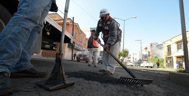 El departamento de Conservación y Mantenimiento de la Secretaría de Obras Públicas ha reforzado los trabajos del programa de bacheo
