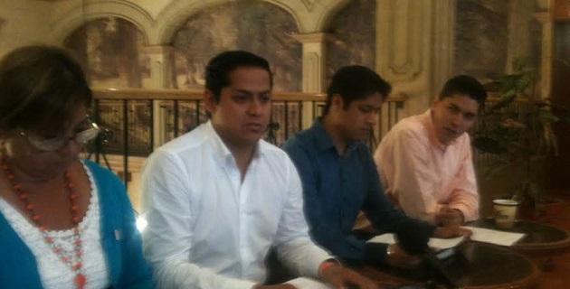Moncada Sánchez afirmó que tanto la Federación como el  estado han fracasado en brindar seguridad a los ciudadanos, situación que ha llevado al pueblo a tomar las armas, para dejar de ser azotados por la delincuencia organizada