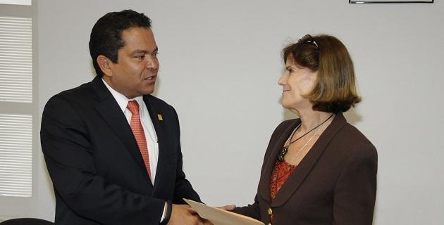 Ana Compeán destacó que el Sistema DIF es la parte sensible de Gobierno, asimismo es un organismo que tiene contacto directo con los sectores vulnerables de la sociedad michoacana