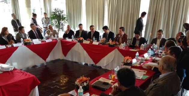 El comisionado nacional, Alfredo Castillo, señaló que para continuar con los avances en seguridad y el desarrollo de la entidad, es necesario contar con la participación de todos los sectores