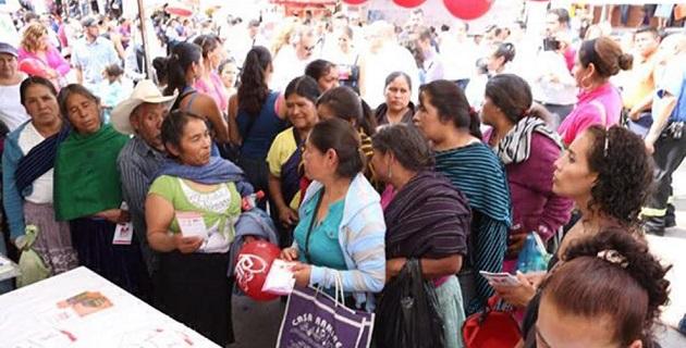La directora del Sistema DIF Michoacán, Ana Luz Compeán Reyes Spíndola, destacó que desde el año 2012 se trabaja el Programa de Prevención de Cáncer Mama