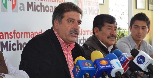 De acuerdo con Fernández Orozco, el Revolucionario Institucional capacita constantemente a sus cuadros