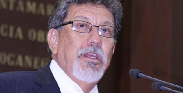 Molina Vélez comentó que su prioridad inmediata será convocar a los presidentes de las comisiones de educación a participar en una reunión de trabajo, a efecto de analizar los retos que representa la implementación de la Reforma Educativa