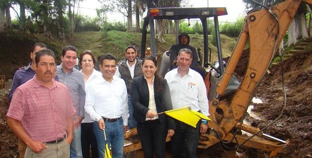 El legislador local resaltó que administraciones perredistas como la de Tocumbo,  con eficacia y compromiso con la gente,  son las que se requieren en todo el estado