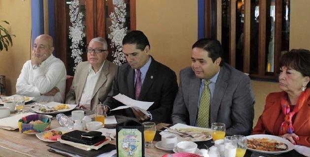 Aureoles Conejo coincidió en la necesidad de modificar los marcos normativos para impulsar y mejorar los servicios notariales en el estado