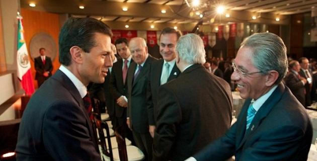 El gobernador michoacano tuvo oportunidad de saludar en la capital del país al presidente de México, Enrique Peña Nieto