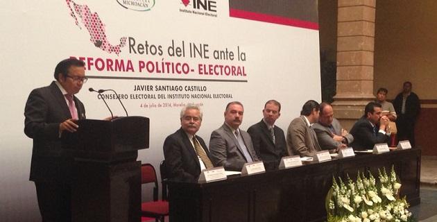 Bernardino Vargas apuntó que la Reforma Político Electoral tuvo como objetivo fortalecer la legitimidad de los gobernantes, privilegiando en todo momento que las reglas del juego fueran claras y homogéneas para todos