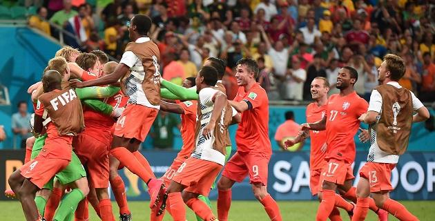 El arquero de Newcastle se llenó de gloria, Van Gaal se puso el título de 'héroe' y Holanda... Holanda se cita con Argentina en las semifinales del Mundial de Brasil