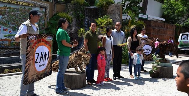 En la premiación estuvo presente el dirigente estatal del Partido Verde Ecologista de México, Jonathan Sanata González y la secretaria de Ecología y Medio Ambiente del mismo organismo, Bertha Susana Raigada Torres