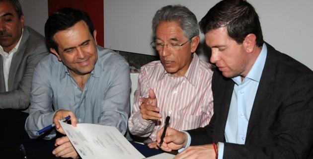 Por su parte, el comisionado para la Seguridad y el Desarrollo Integral, Alfredo Castillo, informó que Michoacán ocupa el lugar 27 de 32 en temas de competitividad a nivel país, lo que supone un reto