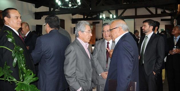 De igual manera, Salvador Jara especificó tareas en las diversas dependencias, como por ejemplo en Seguridad Pública y Protección Civil, ante las intensas lluvias que se han presentado en los últimos días en la geografía estatal