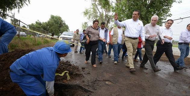 De manera permanente se han realizado acciones de prevención como: desazolve de ríos y drenes, limpieza de drenaje, coladeras y cunetas, funcionamiento al 100% de cárcamos, limpieza diaria de las principales vías de comunicación