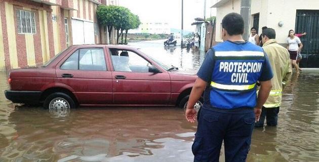 Al respecto, el Servicio Meteorológico Nacional informa que para hoy, en el centro del país se prevén lluvias muy fuertes (de 50 a 75 mm) en regiones de Sinaloa, Durango, Michoacán y Guanajuato