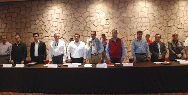 Aníbal González Pedraza, director de Planeación y Evaluación de SAGARPA, informó de los avances del Plan Michoacán