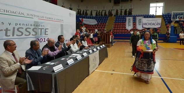 El presidente municipal Wilfrido Lázaro Medina, dio la bienvenida a los integrantes de las delegaciones del Distrito Federal, tanto Norte como Oriente, de Guanajuato, Morelos, Puebla, Tlaxcala y a la anfitriona, de Michoacán
