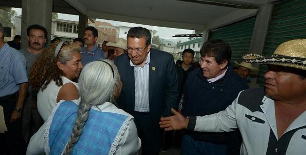 Lázaro Medina refrendó el compromiso de seguir de la mano con los locatarios hasta tener en sus manos el documento oficial de regularización del predio