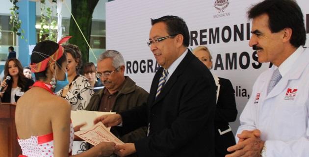 Se graduaron 72 niños y niñas de Preescolar y Primaria