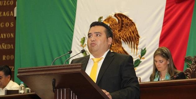 """""""Los funcionarios públicos estamos obligados a sujetarnos a los criterios de racionalidad, austeridad y disciplina presupuestaria"""", aseveró Juárez Blanquet"""