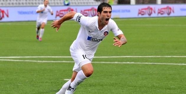 Depetris, jugó para los clubes Atlético Rafaela argentino (2005-07), AS Trencin eslovaco (2008-12), Almere City holandés (2010), Çaykur Rizespor turco (2013-14) y el SK Sigma Olomouc checo (2014)