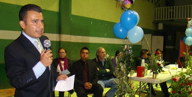 Calderón Torreblanca refrendó su compromiso en la defensa de la educación pública ante la situación política que ha puesto en riesgo la desaparición de muchos derechos sociales en México
