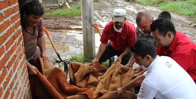 La presidenta honoraria del Sistema DIF Uruapan  agregó que el gobierno local a través de las diferentes corporaciones de auxilio de la localidad, se mantiene en alerta ante una nueva contingencia climatológica
