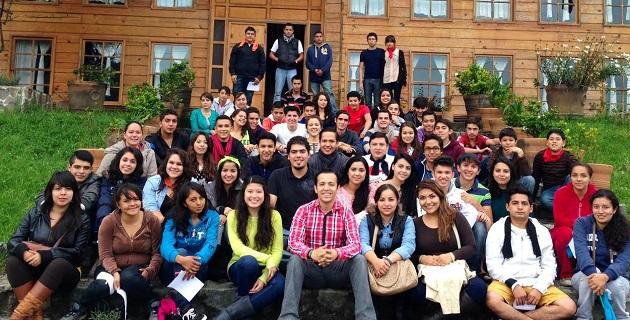 """Jóvenes priístas participan en un campamento organizado por la asociación Iniciativa Juvenil que se desarrolla en el parque """"Los Manantiales"""""""