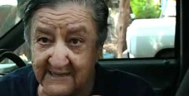 """Mamá Rosa"""" fue trasladada a Zamora en una camioneta particular, a diferencia de cuando el lunes pasado llegó en ambulancia al lujoso hospital de Guadalajara, donde se le aplicó un cateterismo"""